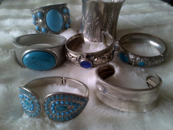 Cuffs 011